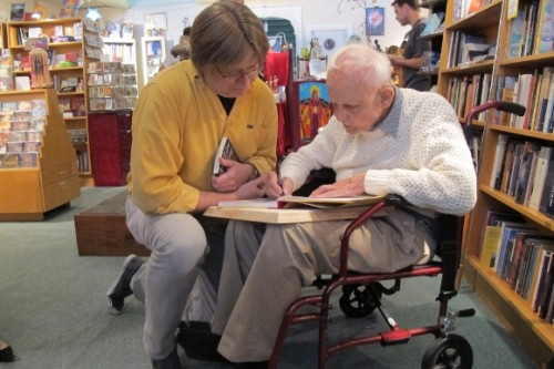 "Huston Smith signs ""And Live Rejoicing"" for teacher Bob Zorad. Photo by BF Newhall"