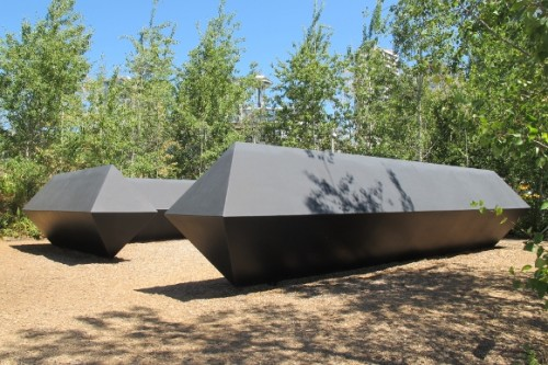 "Massiveangular steel shapes form sculpture ""Stinger"" by Tony Smith. Photo by Barbara Newhall"